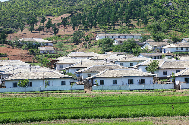 1-조선농촌-어파근처.jpg