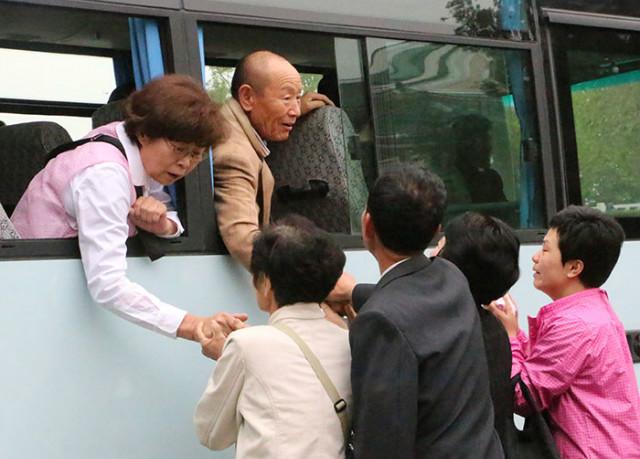 조선당대회-이모저모이산가족01.jpg