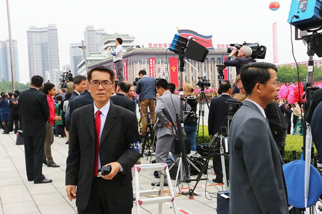 조선당제7차대회-군중시위.jpg
