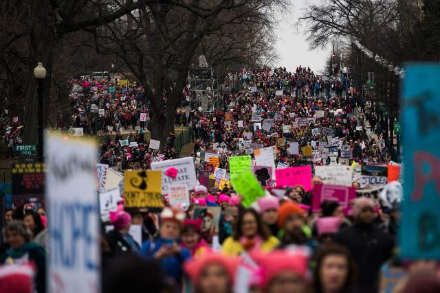 트럼프반대-여성시위01.jpg