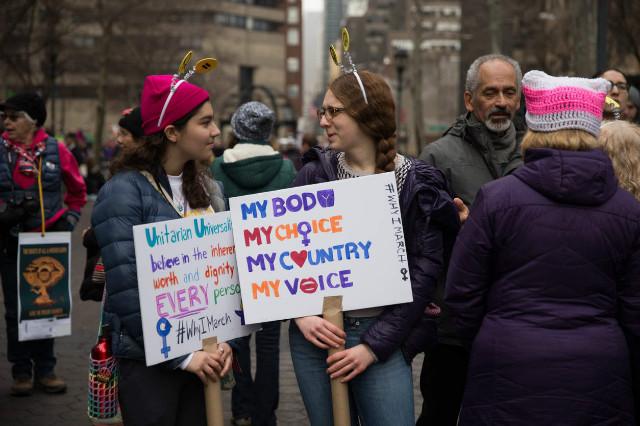 트럼프반대-여성시위01-뉴욕.jpg