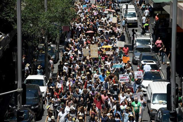 트럼프반대-여성시위-시드니.jpg