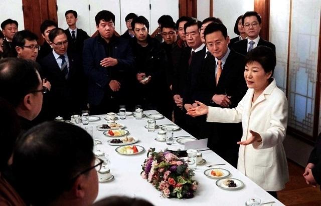 박근혜 탄핵기간중 기자회견.jpg