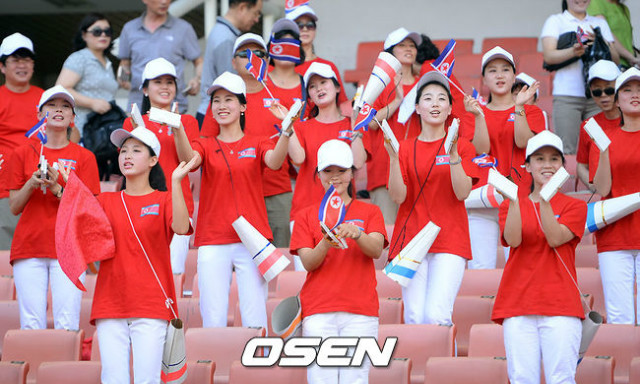 조선여자-아이스하키선수들01.jpg