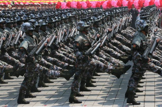 방북74-열병식-육해공03.jpg