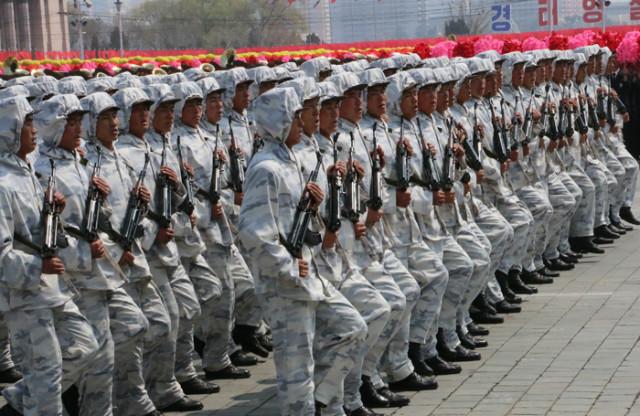 방북74-열병식-육해공05.jpg