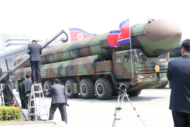 방북74-열병식무장력시위04.jpg