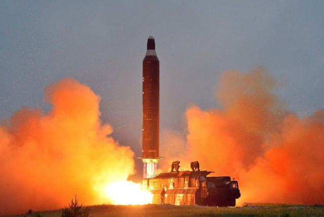 북탄도미사일 발사20170212-01.JPG