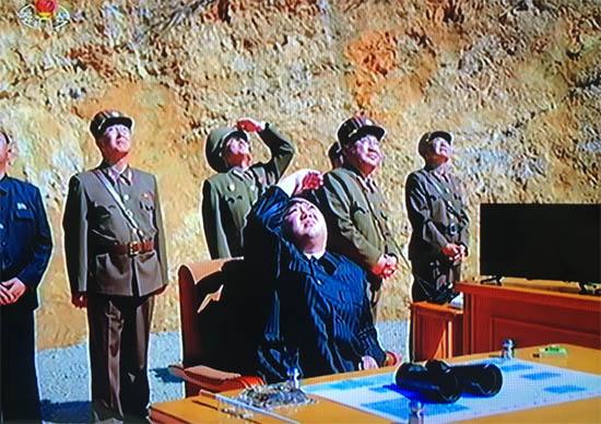 북 미사일발사02.jpg