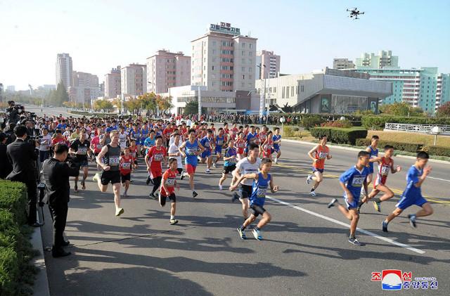북조선-10월마라톤대회.jpg