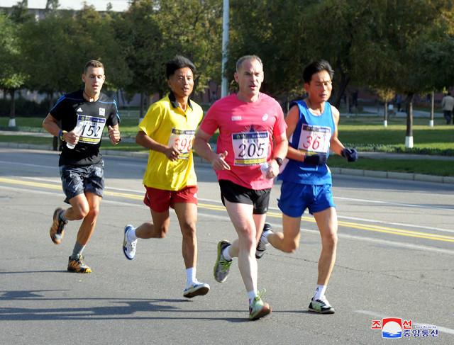 북조선-10월마라톤대회03.jpg