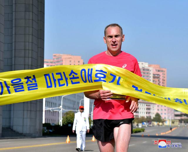 북조선-10월마라톤대회05.jpg