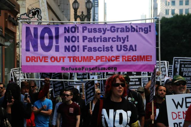 트럼프반대-다운타운진보시위.jpg