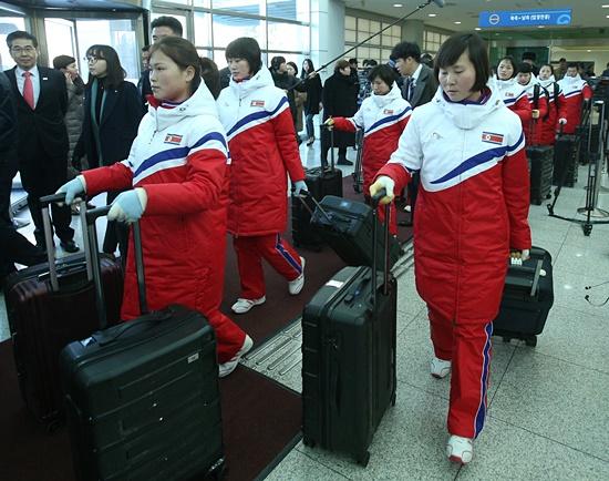 북아이스하키선수들.jpg