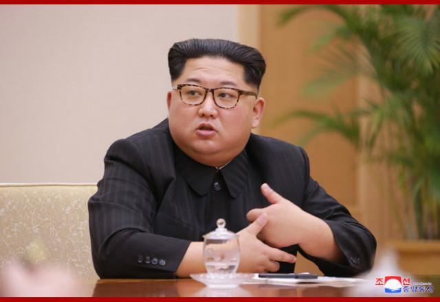 김정은위원장정치국회의02.jpg