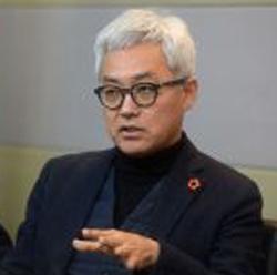 김동엽교수.jpg