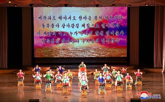 태양절2018-만경대소년궁전01.jpg