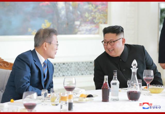김정은 최근혁명업적들07.jpg