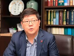 김홍걸상임의장.jpg