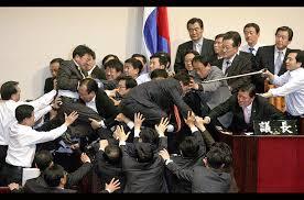 남한정치권-싸움01.jpg