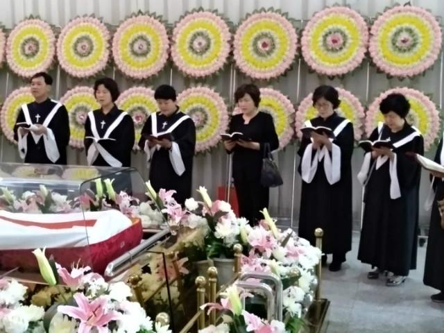 이학유장례식002.JPG