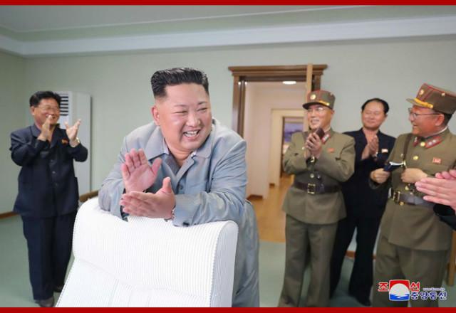 김정은무력시위현지지도08.jpg